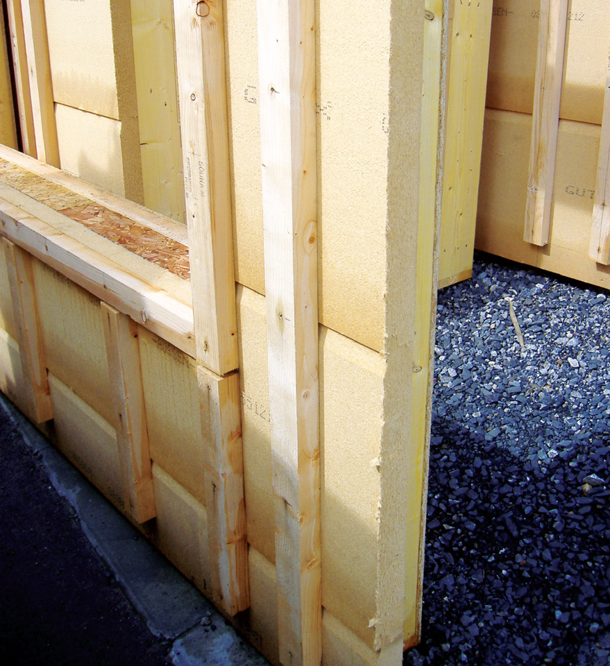 The 60mm of Gutex Ultratherm external to the Thermo-Hemp insulated, closed-panel timber frame system